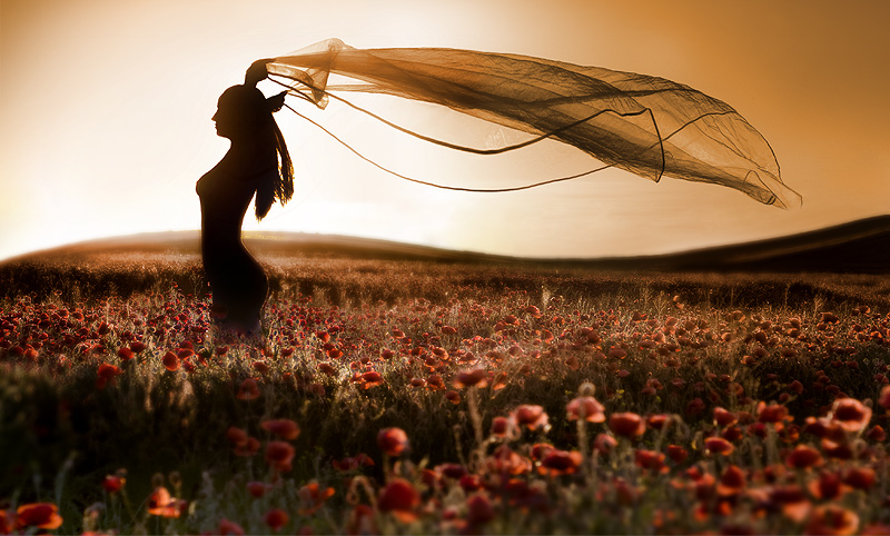 Море! by Railean Viorel. не менее загадочная девушка. никак не взлетит.